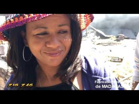La fabrication des marmites à Madagascar by KANAL AUSTRAL