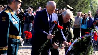 В Омске возложили цветы к Вечному Огню 2(, 2014-05-09T10:17:29.000Z)