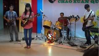 Bahamas mama guitar version. Performed by young Vietnamese girl