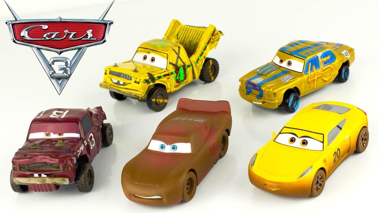 Cars 3 deluxe die cast gift set crazy 8 demolition derby for Jouetstore