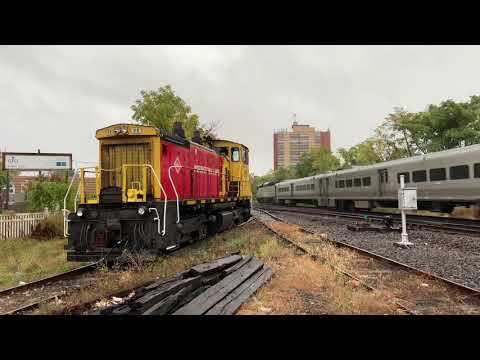 Nj Transit Pl42ac 4002 Flies Past M E Sw1500 20 In Garfield Nj 10 12 20 Youtube
