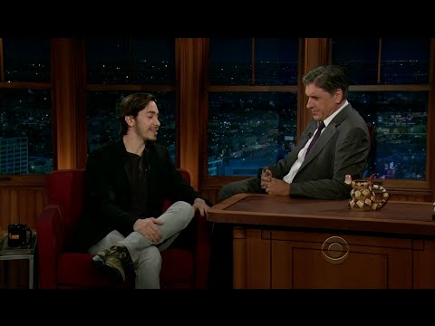 Late Late Show with Craig Ferguson 12/5/2011 Justin Long, Noomi Rapace