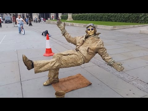 Secret revealed London street performer, floating and levitating trick