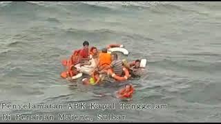 Video ABK Kapal Tenggela Diselamatkan Kapal Penumpang download MP3, 3GP, MP4, WEBM, AVI, FLV November 2019