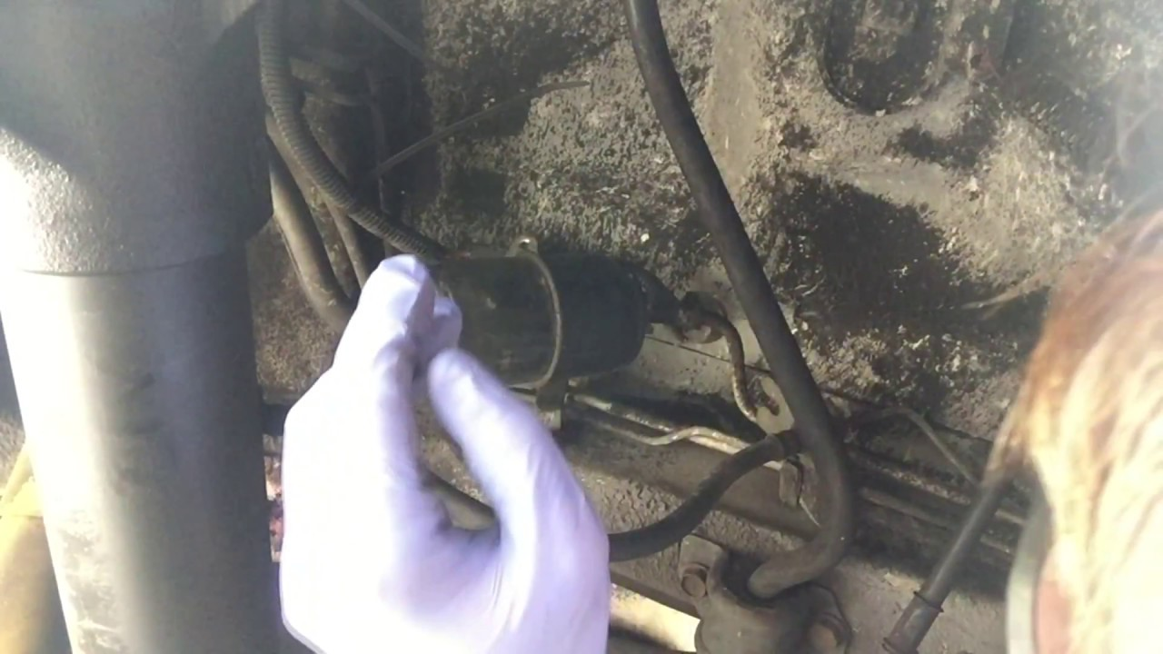 how to replace fuel filter jeep cherokee xj 1984 2001  [ 1280 x 720 Pixel ]