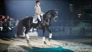 www.reitschule-sandbrink.de Edward Gal with Voice Gala Show Herning 2011 Dressage