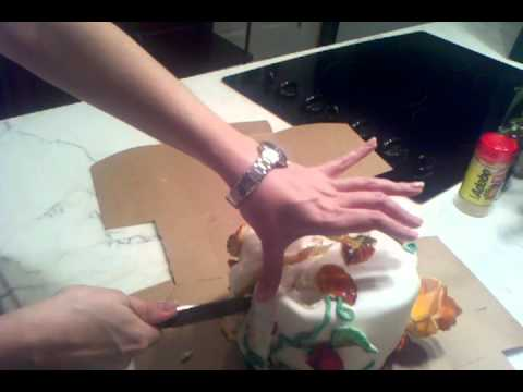 eating wedding cake one year anniversary one year anniversary wedding cake 13879