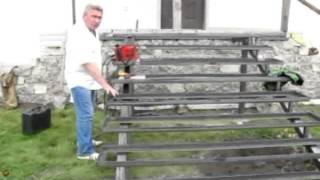 видео Как построить ступеньки к крыльцу: рекомендации и инструкция