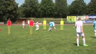 Fußballtraining mit Peter Hyballa: