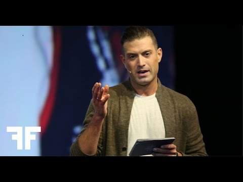 OMAR SHARIF JR.  COMING OUT IN THE MIDDLE OF A REVOLUTION  2016