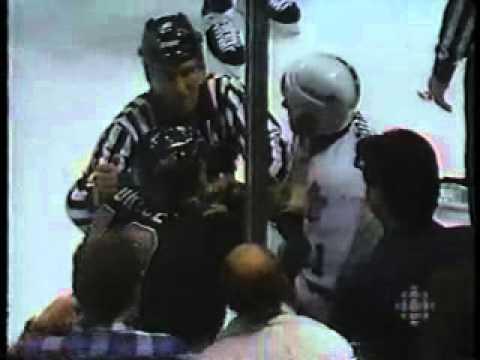 1993-94 - Kings @ Maple Leafs - Rob Stauber vs Bill Berg brawl
