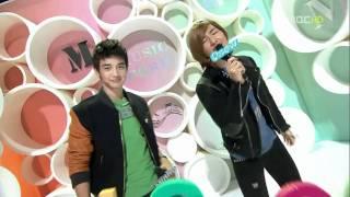 Onew and Minho @ 101113 MBC Music Core