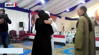 فيديو.. دموع وأحضان وقبلات في لقاء أسر الغارمات