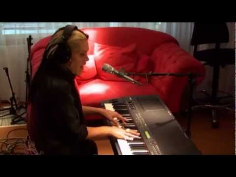 Beth Hart - I'll Take Care Of You (live @ Roodshow)