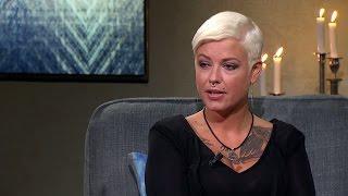 """""""Nazibruden"""" tatuerade in SS-soldat - nu hjälper hon flyktingar - Malou Efter tio (TV4)"""