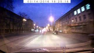 открыли машину сканером и украли вещи(, 2016-03-14T21:21:27.000Z)