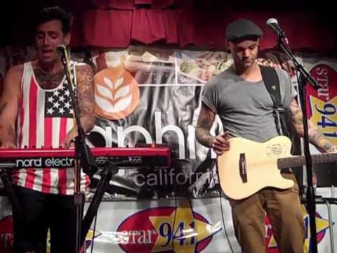 Hedley Performs 'Perfect' live