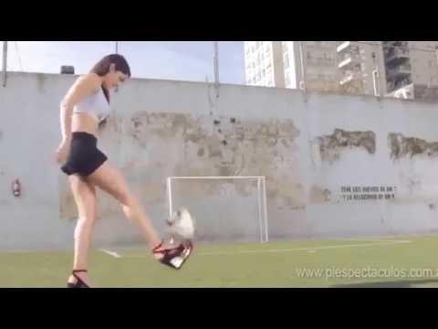 Girl Freestyle Football kooora