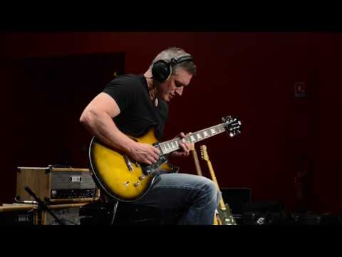 Yvan Guillevic blues a Kelt Amplification V-Max