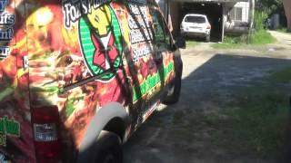 Как обклеивают пленкой Авто в Америке(В видео показано как обклеили пленкой авто (если это можно сказать -обклеили ). Группа в VK: http://vk.com/public79601574..., 2015-02-09T23:07:05.000Z)