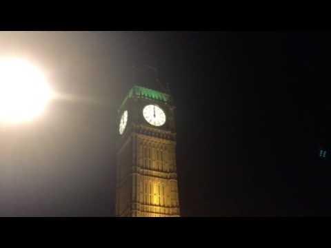 Big Ben at midnight (12:00am) 00:00