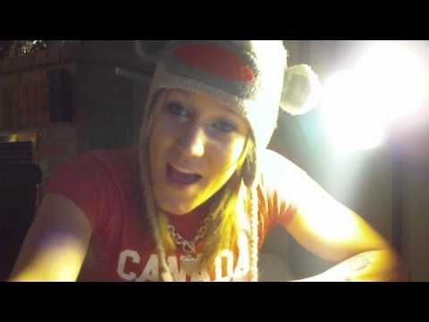 Smiley Kylie Sings Jimmy Gets High