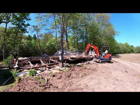 Demolishing a Mobile Home Trailer | Kubota KX71-3 Demolition