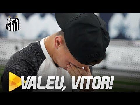 VITOR BUENO SE EMOCIONA EM DESPEDIDA