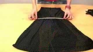 Отличная инструкция, как сшить быстро платье(В этом видео девушка шаг за шагом демонстрирует, как быстро сшить платье. Причем, за какие-то минуты ткань..., 2014-01-20T15:58:09.000Z)