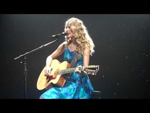 TAYLOR SWIFT - 'Fifteen' live in Melbourne 11/02/10