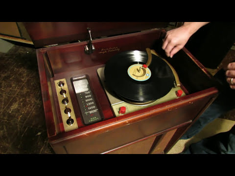 1956 Montgomery Ward Airline Radio & Record Changer [PART 1]