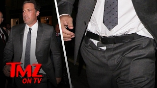Repeat youtube video Ben Affleck Looks Awesome As Always | TMZ TV