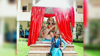 Khushi 😘😘😘school life is the best 😚😚l like you Friends.