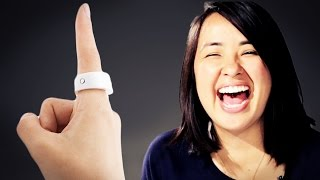 Gambar cover People Try A Smart Ring That Controls Your Phone