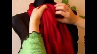 Как завязать шарф(Шарф-хомут или снуд – тренд нового модного сезона. Он блистал одно время на подмостках и в повседневной..., 2014-09-26T13:41:57.000Z)