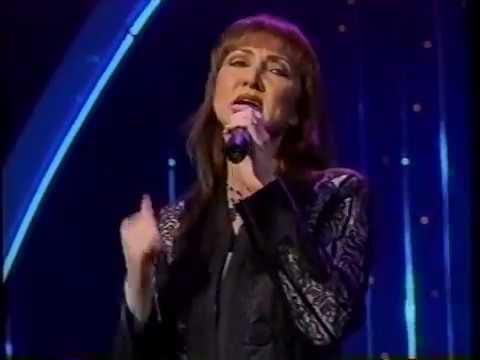 Pam Tillis feat. Marty Stuart - Mandolin Rain (Live at 1996 CMAs)