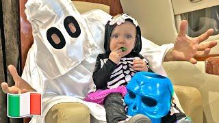 Cinque Bambini raccolgono caramelle per Halloween