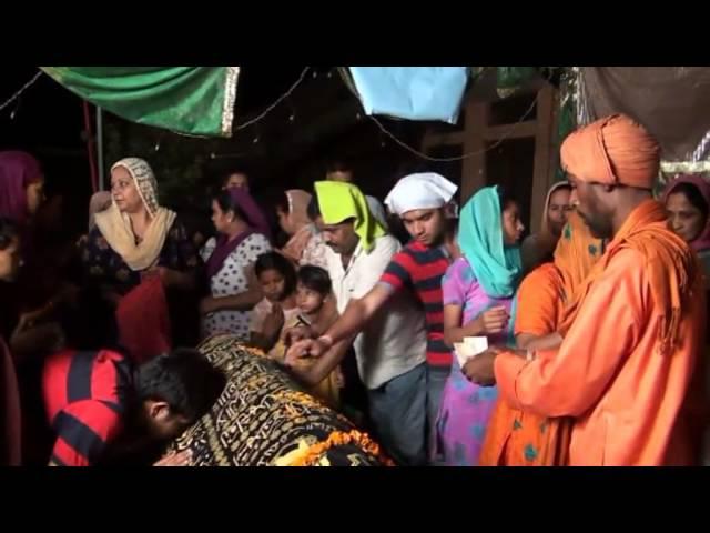 Lakh Data Peer Qawwali 8/6/13 PART 1 - VidInfo