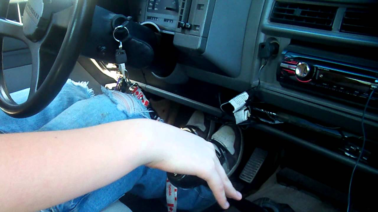 how to drive a standard truck how to drive an manual transmission [ 1280 x 720 Pixel ]