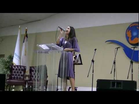"Nati singing ""Anoint me Lord"""
