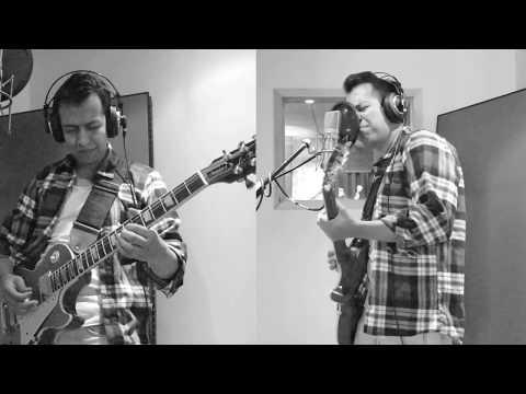 Velia - Hybrid Moments (Misfits Cover)