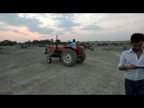 Funny tractor drive, beautiful moves, Lahore Pakistan