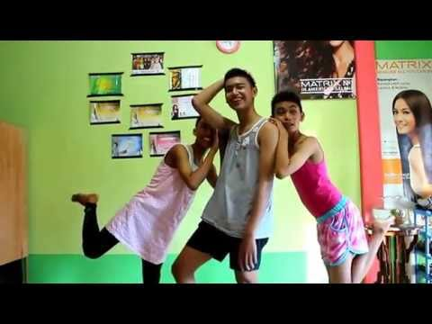 Banci Cong  The Lazy Song ) Versi anak Tembilahan SMANSAHUL kelas XI IPA 3