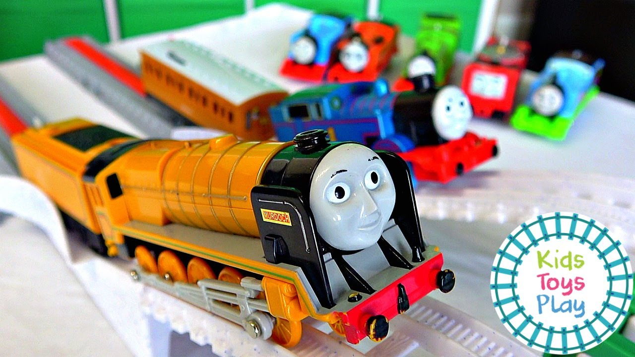 Thomas & Friends Tomy Vs Trackmaster Toy Train Races