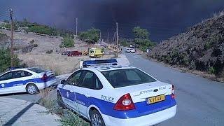 فيديو.. طائرات يونانية وإسرائيلية تشارك في إطفاء حرائق جبال قبرص