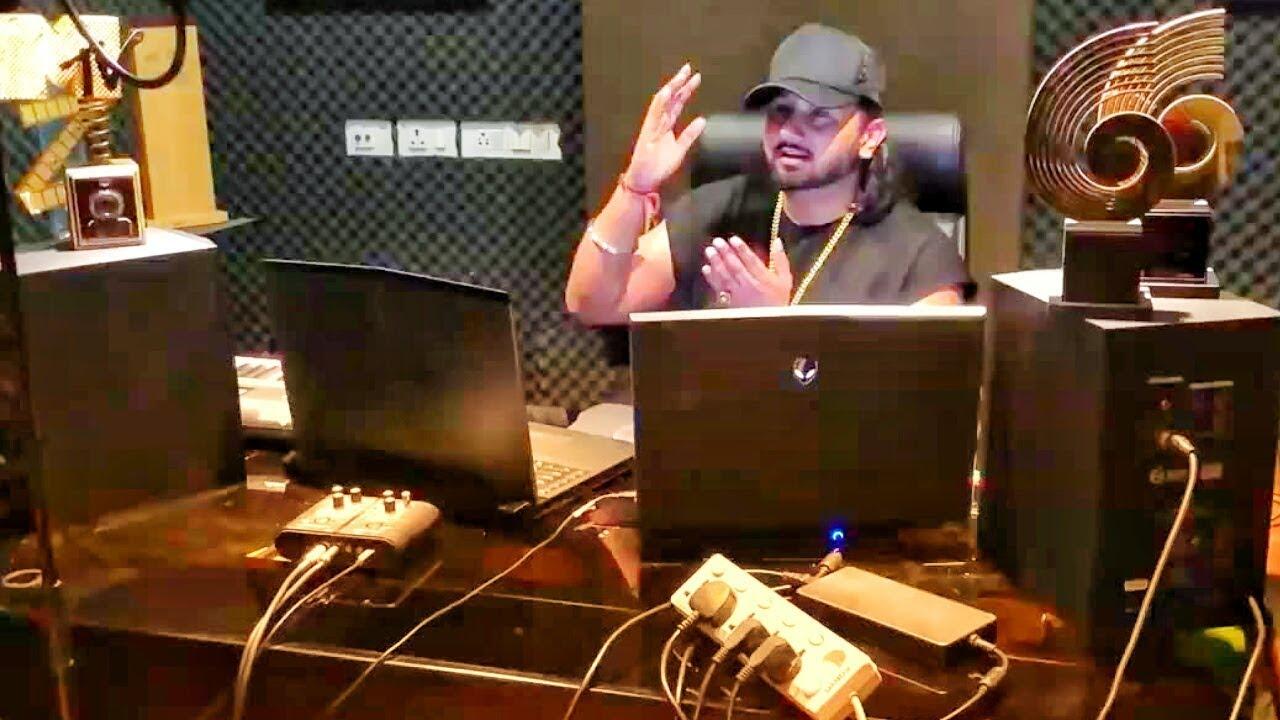 Yo Yo Honey Singh listening Bilal Saeed songs - showing his favourite songs playlist