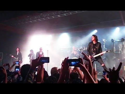Danny Worsnop Plays First Show Back In Asking Alexandria