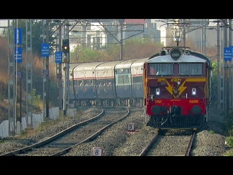 Chocolaty Surprise - First Time Brown WCAM-2 Hauls Express Train!!