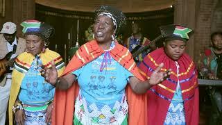The Mahotella Queens ft. Sipho Makhabane - Bam Bethelela Emnqam Lezweni