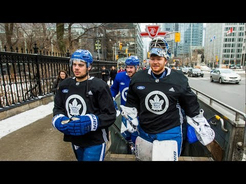 SKATING IN THE SIX: Toronto Maple Leafs entertain fans in public skate outside city hall